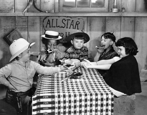 SILENT FILM: LITTLE RASCALS.  Our Gang, Little Rascals. Spanky, Buckwheat, Mickey, Alfalfa and Darla left to right
