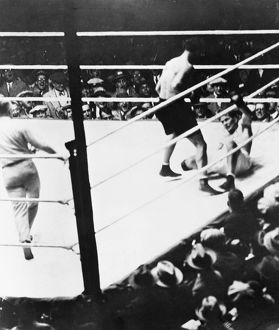 American boxer. Gene Tunney down for the famous 'long count' in the championship