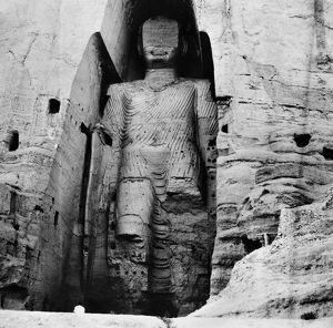 One of the two giant statues of Buddha carved in a cliff at Bamyan, Afghanistan. Sixth century