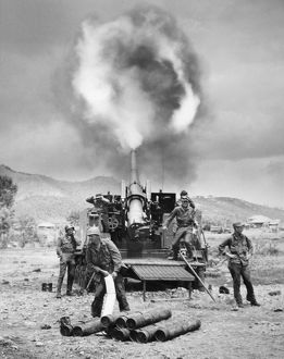KOREAN WAR: ARTILLERY. An American 155mm 'Long Tom' self-propelled cannon