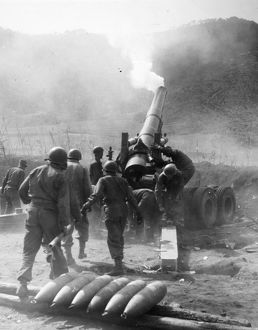 KOREAN WAR: ARTILLERY. American artillery on the central front. Photographed 1951.