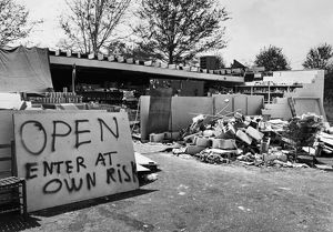 end world/mississippi hurricane 1969 view remains grocery