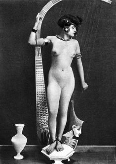erotica/nude ancient egyptian nude posing ancient egyptian