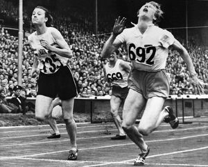 OLYMPIC GAMES, 1948. Fanny Blankers-Koen of the Netherlands (right) and Maureen Gardner