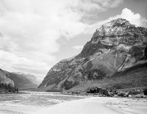YOHO NATIONAL PARK. Mount Stephen Guesthouse in Yoho National Park, Field, British